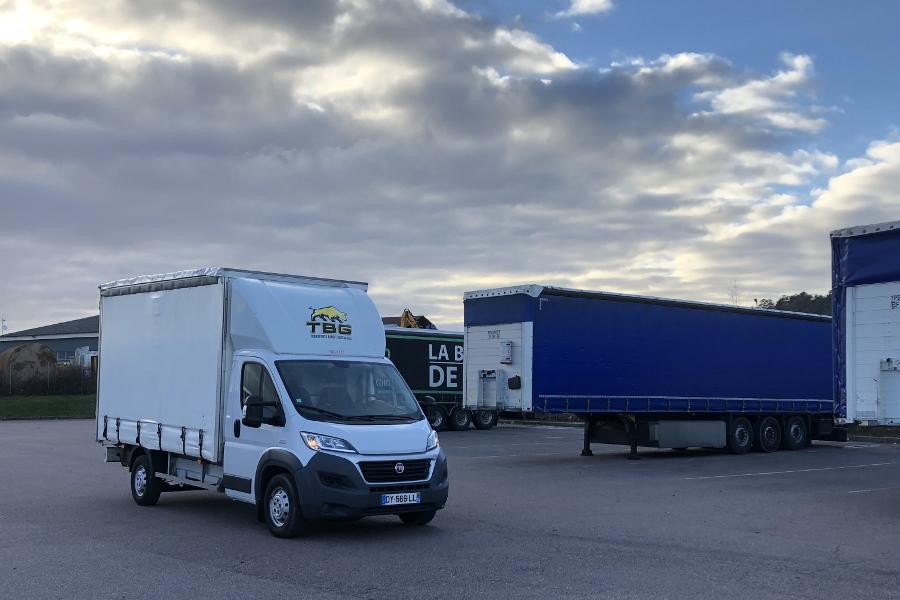 Transports en véhicule utilitaire légers chez Transports Benoit Gros et fils