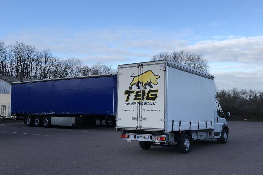 Transports en véhicule utilitaire légers chez Transports Benoit Gros & fils